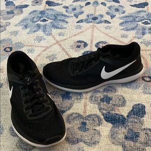 Black Nike's with white speckled detail